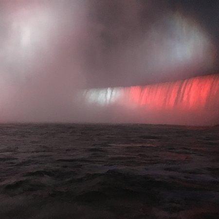 Фотография Hornblower Niagara Cruises