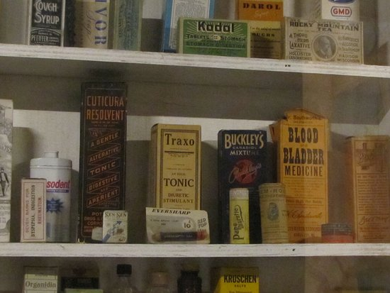 Navajo County Historical Museum: medicines of late 19th early 20th century