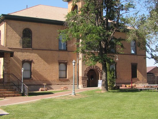 Navajo County Historical Museum: Navajo County Courthouse
