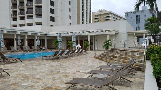 Waikiki Beach Marriott Resort & Spa: Pool area