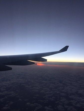 Hawaiian Airlines: Sunset HNL - BNE