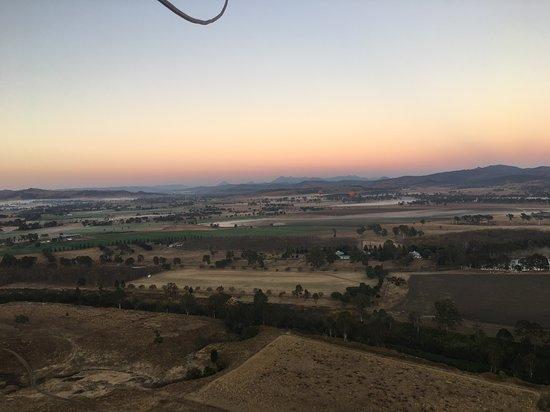 Hot Air Balloon Brisbane & Canungra Vineyards: Perfect morning