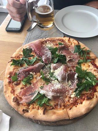 Blue Myth Restaurant: fresh pizza
