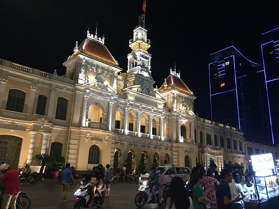 Royal Hotel Saigon ( Kimdo Hotel): Opera House close by, check out to see a show, great French designed interior!