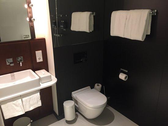Ruby Lilly Hotel Munich: Bathroom at Ruby Lilly Hotel