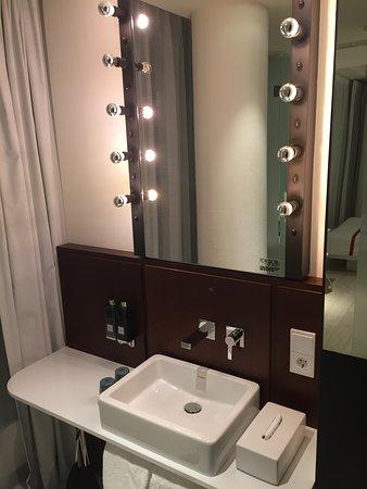 Ruby Lilly Hotel Munich: Ruby Lilly Hotel  - bathroom