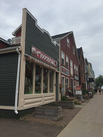 Charlottetown, Canada: Front of the store