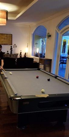 Club Med Columbus - Bahamas: Condition of pool table
