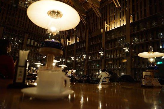 Kitaichi Glass Sangokan Cafe Bar Kyubankura: 本物のランプでした