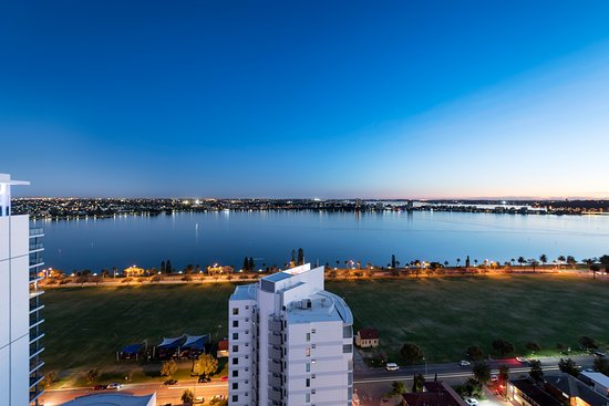 Pan Pacific Perth: Swan River view