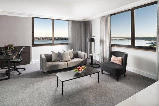 Pan Pacific Perth: Premier King Suite - Living Area