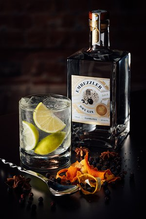 Kempton, Austrália: Named after the founder of Dysart House, William Ellis, Embezzler gin is made onsite.