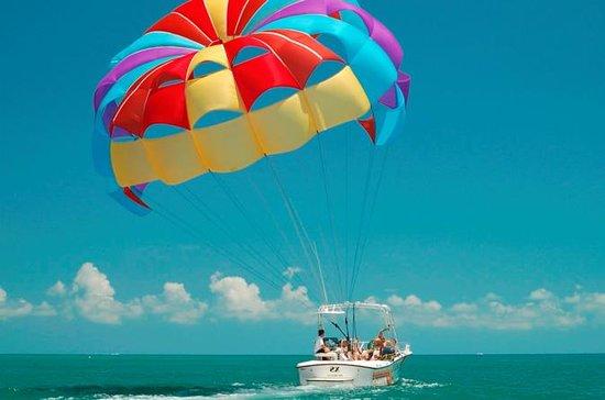 Going Party Boat con Parasaling y...