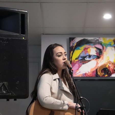 Blue Water Bar and Restaurant: Hannah Lee Pead - Recently performed Sunday 24th June 2018
