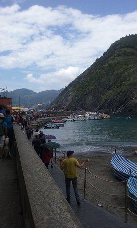 Parco Nazionale Cinque Terre: Vernazza l 'approdo al mare