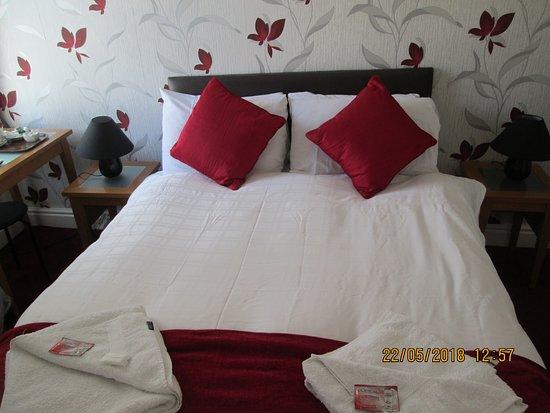 The Garnett Hotel: room 2   premium double en-suite