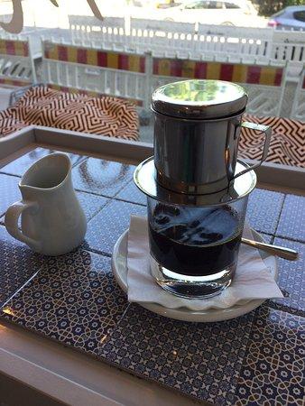 Minilicious Tea & Caphe: ドリップの器具が珍しい