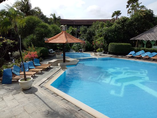 Palm beach hotel bali kuta reviews photos price comparison tripadvisor for Ecr beach resorts with swimming pool prices