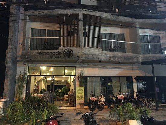Lemonade Phuket Hotel: Lemonade Hotel from outside