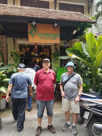 Vietheritage Restaurant: Outside