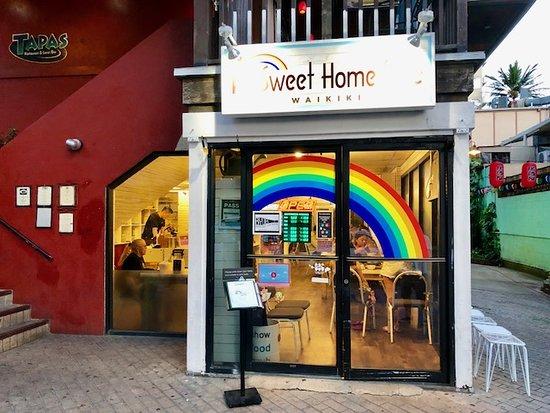 Sweet Home Cafe Waikiki: エントランスです