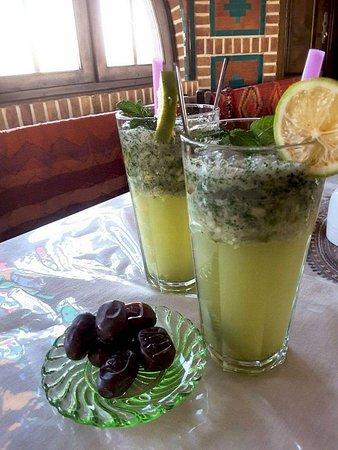 Matinabad Desert Eco-Camp: Tea House Soft drink