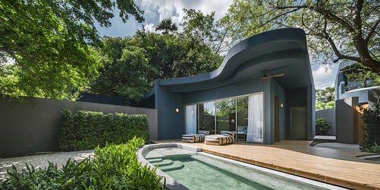 Navana Nature Escape: Grand Beachfront Pool Villa