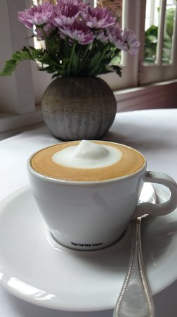 La Villa French Restaurant by Thierry Mounon: Latte