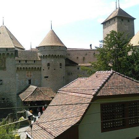 Шильонский замок: お城の外観