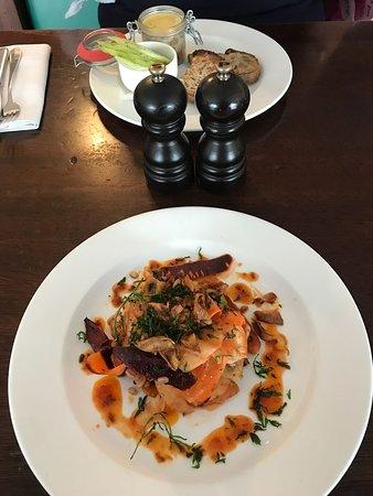 Hawksmoor Air Street: 前菜 キャロット、サバのパテ