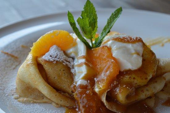 Havirov, Czech Republic: Palačinky s tvarohem, domácí pomerančovou marmeládou a karamelem