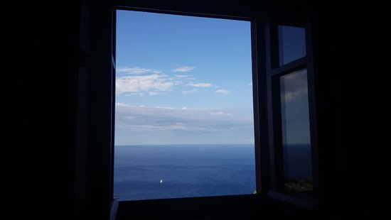 Il Borgo di Campi : View on the sea from the bedroom's window in the morning!