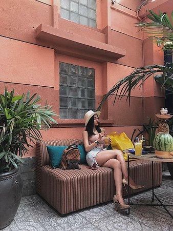 Amun Restaurant & Lounge: Amun Garden Restaurant & Lounge