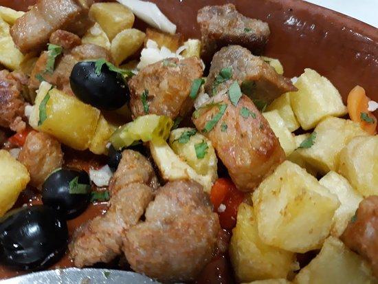 Os Agostinhos: carne à portuguesa