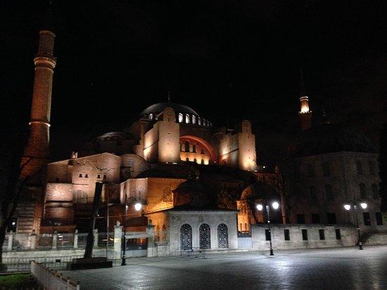BarefootPlus Travel: Hagia Sophia - Istanbul
