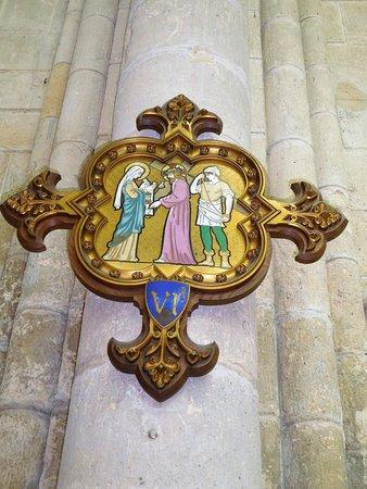 Cathedrale Saint-Gervais Saint-Protais: le chemin de croix