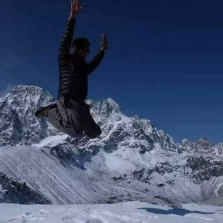 Nepal Trekkers: #gokyo_frozen time