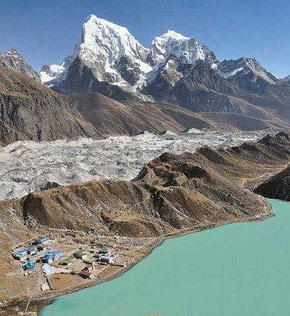 Nepal Trekkers: #gokyo_lake view from gokyo lake