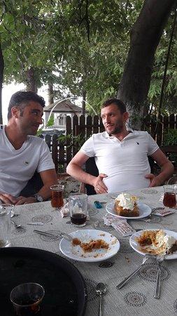 Orhangazi, Turkiet: Bayraktepe Et Mangal & Köy Kahvaltısı