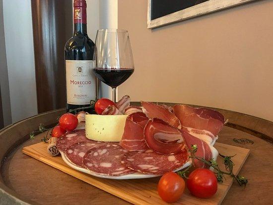 Bolgheri, Italy: Visita della Cantina con degustazione dei nostri vini con abbinamento di salumi e formaggi nostr