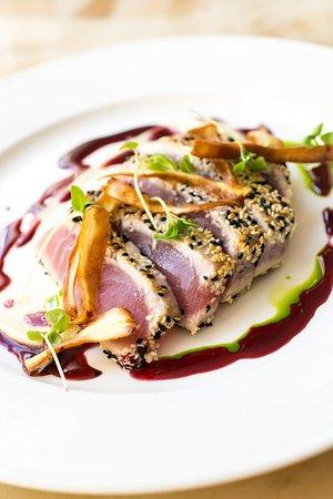 Zavo Restaurant & Lounge: Zavo Sesame Crusted Tuna