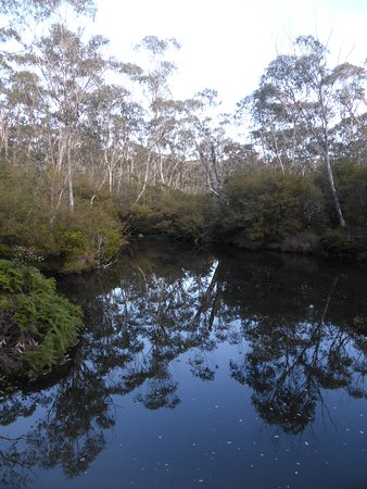 Barrington, Australien: A quiet pond fed by fast flowing river at each end