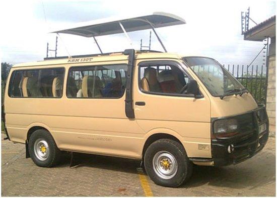 Nairobi Airport Transfer and Tours: Safari vans for safaris