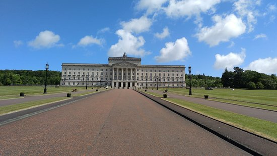 Butlers Private Driver Tours: Stormont