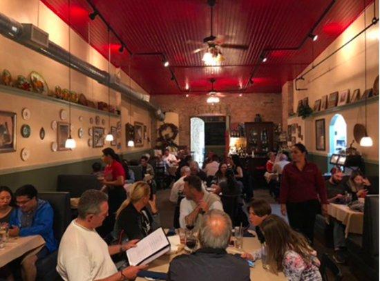 Red Raven Restaurant: salle