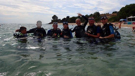 Ocean Diving Center: couples having fun