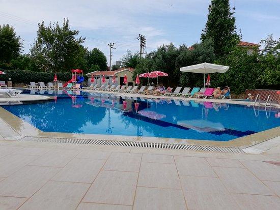 Mavruka Hotel: Бассейн очень неплох. Дети не вылазили.