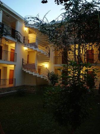 Mavruka Hotel: Внутренний двор отеля.