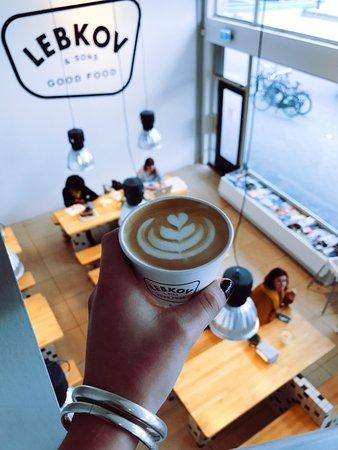 Lebkov & Sons Den Haag: Latte art