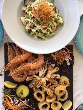 Medusa Restaurant: Seafood Mix mit Salat